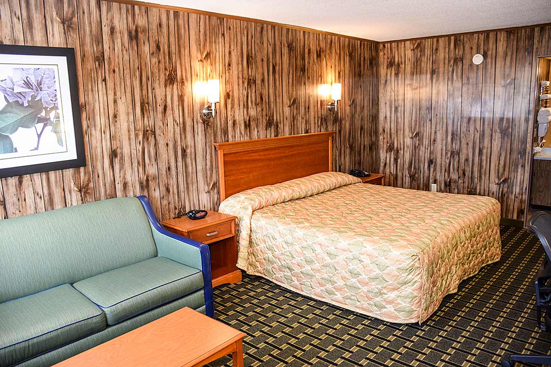King room in Pigeon Forge, Tennessee