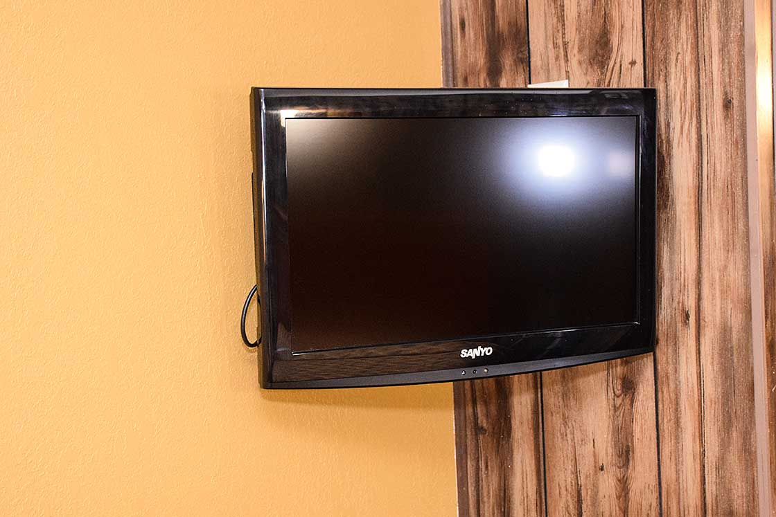 Television in queen room